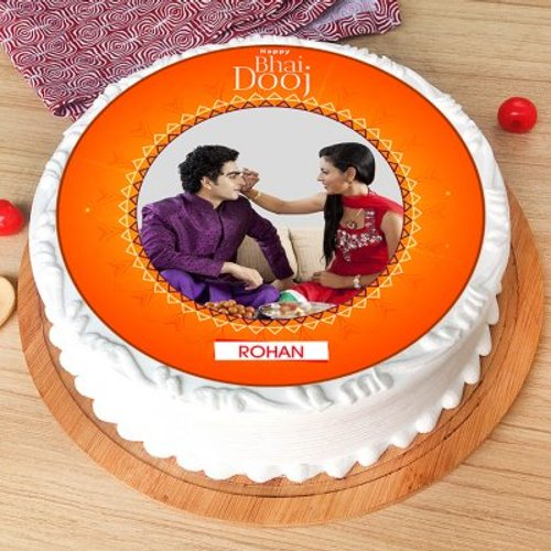 https://media.bakingo.com/sites/default/files/styles/product_image/public/bhai-dooj-photo-cake-phot954flav-A.jpg?tr=h-500,w-500