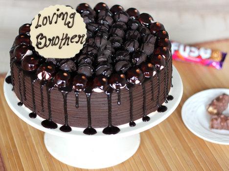 Bhai Dooj Snickers Chocolate Cake