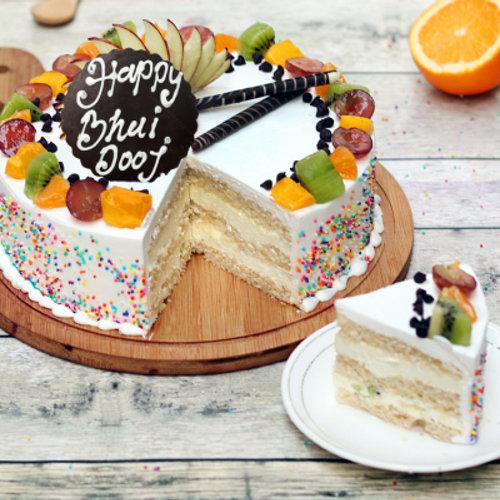 https://media.bakingo.com/sites/default/files/styles/product_image/public/bhai-dooj-vanilla-fruit-cake-cake951frui-C_0.png?tr=h-500,w-500