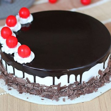 https://media.bakingo.com/sites/default/files/styles/product_image/public/black-forest-round-shaped-cake-3-cake0623blac-A.jpg?tr=h-360,w-360