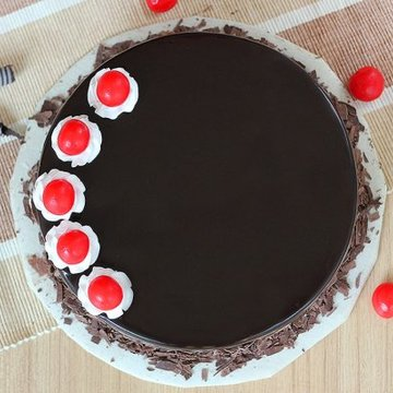 https://media.bakingo.com/sites/default/files/styles/product_image/public/black-forest-round-shaped-cake-3-cake0623blac-B.jpg?tr=h-360,w-360