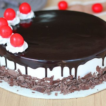 https://media.bakingo.com/sites/default/files/styles/product_image/public/black-forest-round-shaped-cake-3-cake0623blac-C.jpg?tr=h-360,w-360