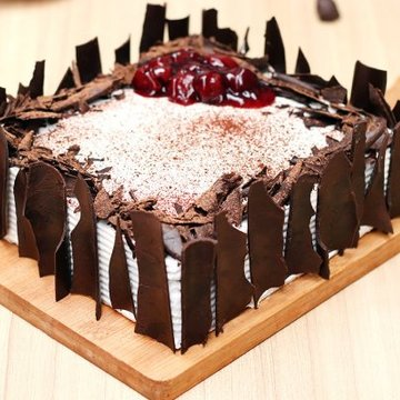 https://media.bakingo.com/sites/default/files/styles/product_image/public/black-forest-vegan-cake-cake920blac-B.jpg?tr=h-360,w-360