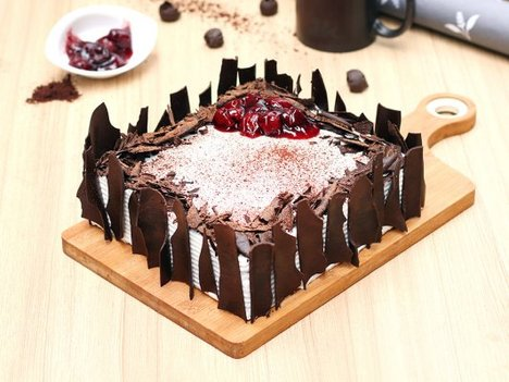Black Forest Vegan Cake in Delhi