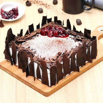 https://media.bakingo.com/sites/default/files/styles/product_image/public/black-forest-vegan-cake-delhi-cake1002blac-A.jpg?tr=h-360,w-360