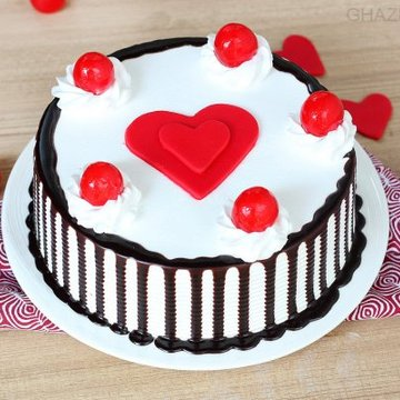 https://media.bakingo.com/sites/default/files/styles/product_image/public/black-forest-with-heart-cake-in-ghaziabad-cake0946flav-a.jpg?tr=h-360,w-360