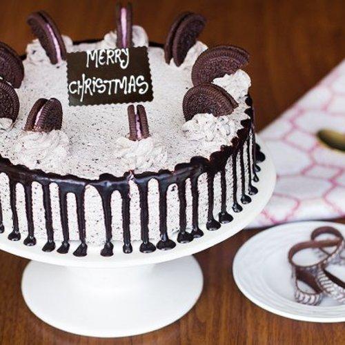 https://media.bakingo.com/sites/default/files/styles/product_image/public/blissful-christmas-hues-A-cake0221oreo.jpg?tr=h-500,w-500