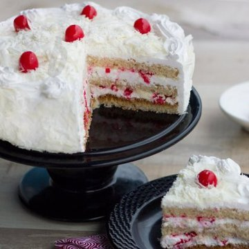 https://media.bakingo.com/sites/default/files/styles/product_image/public/blissful-shore-a-mothers-day-special-cake-B.jpg?tr=h-360,w-360