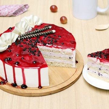 https://media.bakingo.com/sites/default/files/styles/product_image/public/blueberry-cake-1-delhi-cake992blue-C.jpg?tr=h-360,w-360