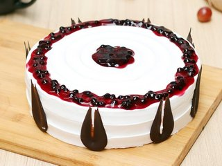 Round Shaped Blueberry Cake
