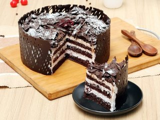 Sliced View of Choco Black Forest Cake in Delhi