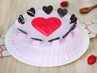 Choco hearts Strawberry Cake in Gurgaon