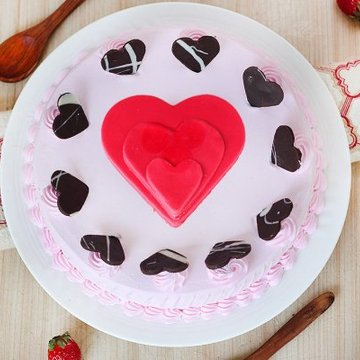https://media.bakingo.com/sites/default/files/styles/product_image/public/choco-hearts-strawberry-cake-in-noida-cake1105flav-b.jpg?tr=h-360,w-360