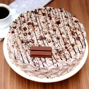 https://media.bakingo.com/sites/default/files/styles/product_image/public/choco-kitkat-cake-cake1628choc-A_0.jpg?tr=h-360,w-360