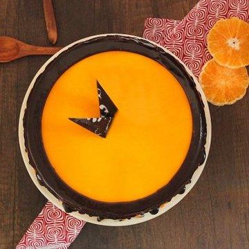 https://media.bakingo.com/sites/default/files/styles/product_image/public/choco-orange-cake-in-delhi-cake0877flav-c.jpg?tr=h-360,w-360