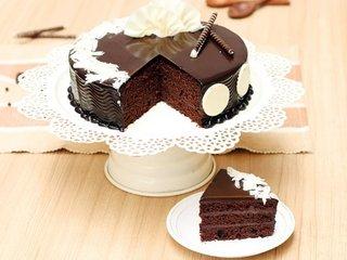 Sliced View of Flamboyant Choco Truffle Cake in Delhi
