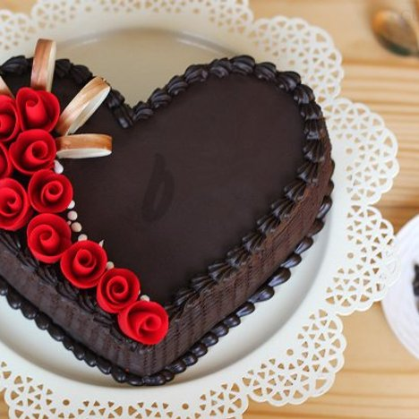 Heart Shaped Choco Truffle Cake in Gurgaon