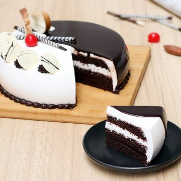 https://media.bakingo.com/sites/default/files/styles/product_image/public/choco-vanilla-cake-2-cake1486choc-C.jpg?tr=h-360,w-360