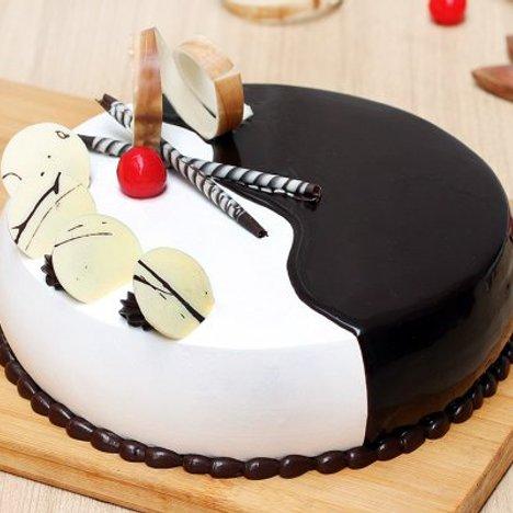 Toothsome Choco Vanilla Cake