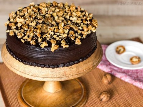 Chocolate Nut Cake in Ghaziabad