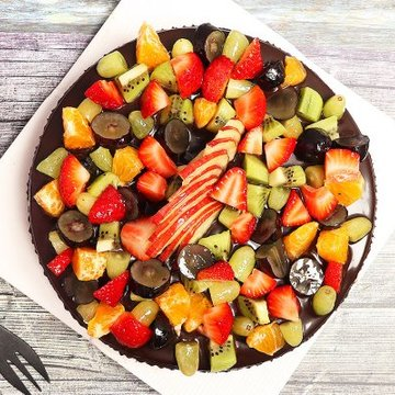 https://media.bakingo.com/sites/default/files/styles/product_image/public/chocolate-truffle-fruit-cake-cake0756chfr-B (1).jpg?tr=h-360,w-360