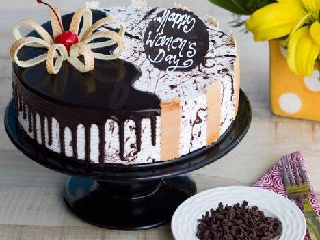 Round Shaped Choco Vanilla Cake