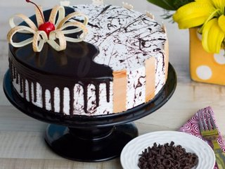Order Choco Vanilla Cake in Gurgaon