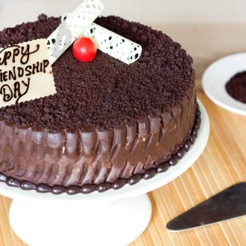 https://media.bakingo.com/sites/default/files/styles/product_image/public/chocolaty-affair-friendship-day-cake-A.jpg?tr=h-360,w-360