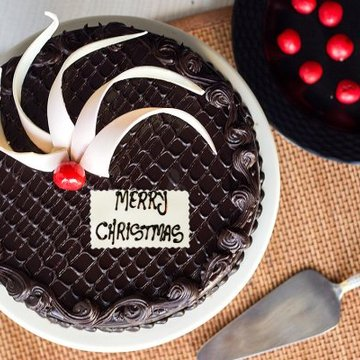 https://media.bakingo.com/sites/default/files/styles/product_image/public/chocolicious-christmas-C-cake0216chtr.jpg?tr=h-360,w-360