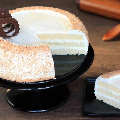 https://media.bakingo.com/sites/default/files/styles/product_image/public/coconut-cake-in-noida-cake1104flav-b.jpg?tr=h-500,w-500