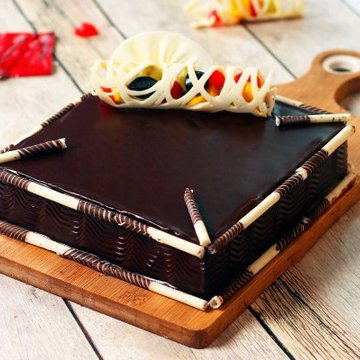 https://media.bakingo.com/sites/default/files/styles/product_image/public/couverture-chocolate-square-cake-cake1530choc-A.jpg?tr=h-360,w-360