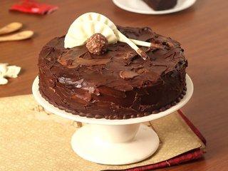 Couverture Hazelnut Chocolate Cake