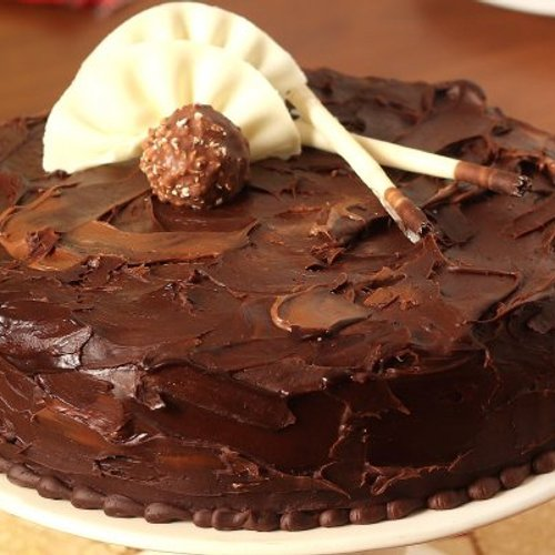 https://media.bakingo.com/sites/default/files/styles/product_image/public/couverture-hazelnut-chocolate-cake-cake817mang-B.jpg?tr=h-500,w-500
