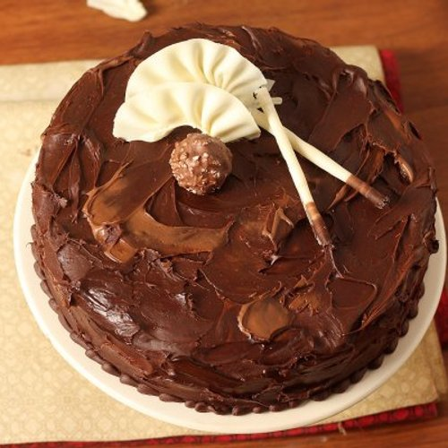 https://media.bakingo.com/sites/default/files/styles/product_image/public/couverture-hazelnut-chocolate-cake-cake817mang-C.jpg?tr=h-500,w-500