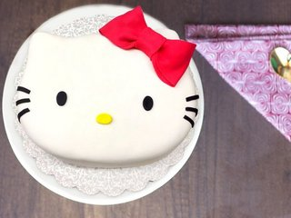 Multi flavored cute kitty fondant cake
