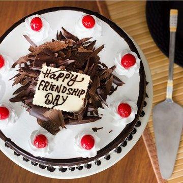 https://media.bakingo.com/sites/default/files/styles/product_image/public/divine-pleasure-cake-for-friendship-day-B.jpg?tr=h-360,w-360