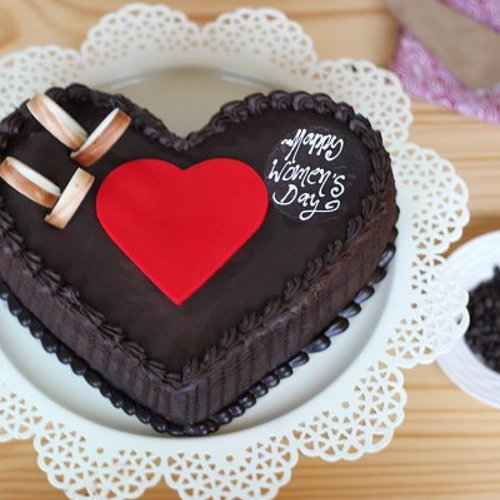 https://media.bakingo.com/sites/default/files/styles/product_image/public/double-heart-choco-truffle-cake-A_1.jpg?tr=h-500,w-500