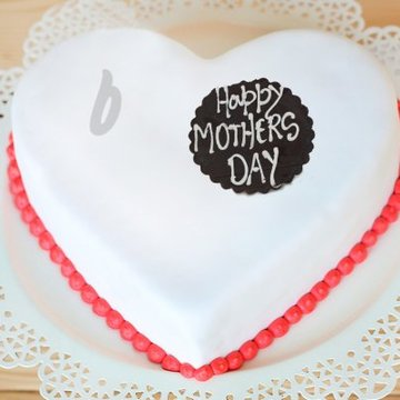 https://media.bakingo.com/sites/default/files/styles/product_image/public/dream-come-true-a-mothers-day-special-cake-C_0.jpg?tr=h-360,w-360