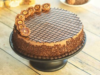 Dainty Rocher Cake in Gurgaon