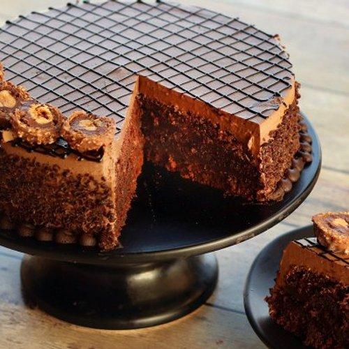 https://media.bakingo.com/sites/default/files/styles/product_image/public/ferrero-rocher-cake-cake1261choc-C.jpg?tr=h-500,w-500