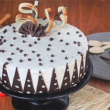 https://media.bakingo.com/sites/default/files/styles/product_image/public/gulkand-rose-cake-in-ghaziabad-cake0952flav-a.jpg?tr=h-360,w-360