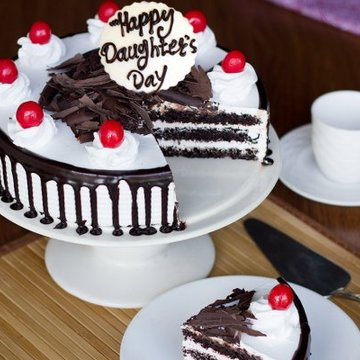 https://media.bakingo.com/sites/default/files/styles/product_image/public/happy-daughters-day-black-forest-cake-cake883blac-B.jpg?tr=h-360,w-360