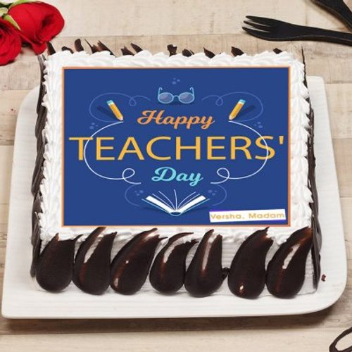 https://media.bakingo.com/sites/default/files/styles/product_image/public/happy-teachers-day-poster-cake-phot1586flav-B.jpg?tr=h-500,w-500