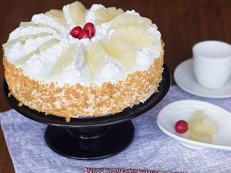 Hawaiian Pineapple Cake in Gurgaon