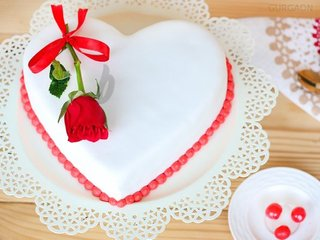 Heart Shaped Fondant Vanilla Cake in Gurgaon