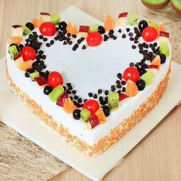 https://media.bakingo.com/sites/default/files/styles/product_image/public/heart-shaped-fruit-cake-1-cake0740frui-A_0.jpg?tr=h-360,w-360