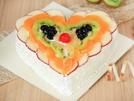 Heart Of Fruits Cake in Noida