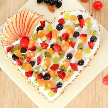 https://media.bakingo.com/sites/default/files/styles/product_image/public/heart-shaped-fruit-cake-3-in-bangalore-cake1034flav-b.jpg?tr=h-360,w-360