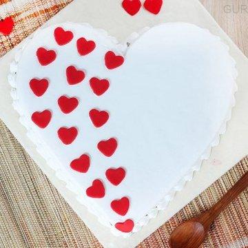https://media.bakingo.com/sites/default/files/styles/product_image/public/heart-shaped-vanilla-cake-1-in-gurgaon-cake0923flav-b.jpg?tr=h-360,w-360