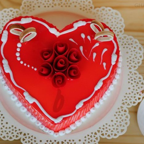 Heart Shaped Vanilla Strawberry Cake in Ghaziabad